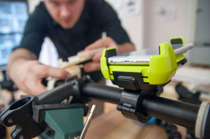 Držák iOttie Active Edge Bike & Bar Mount Electric Lime