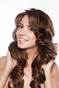 Vlasová emulze Essence UltimeDiamond Color Sprej pro zvýšení lesku